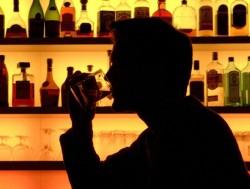 Кто больше всего подвержен алкоголизму?