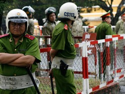 Из реабилитационного центра во Вьетнаме сбежали 450 наркоманов